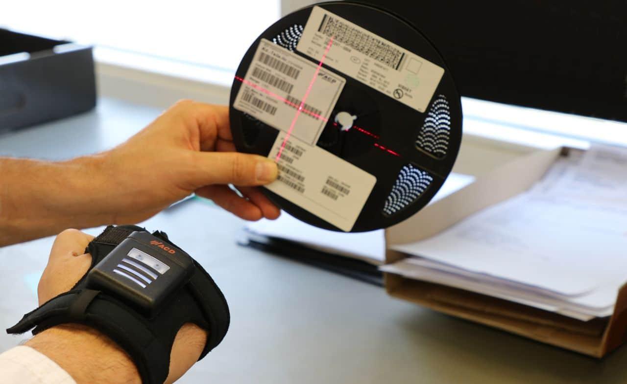 Back hand scanner HasciSE in goods receipt