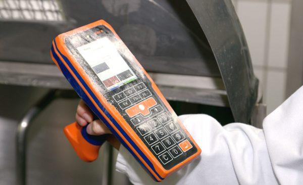Ordinateur de poche mobile pour environnements difficiles