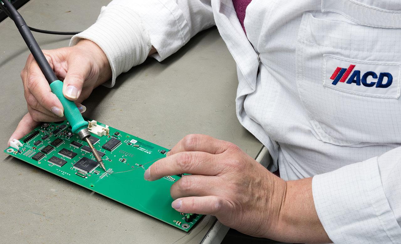 Manual soldering process
