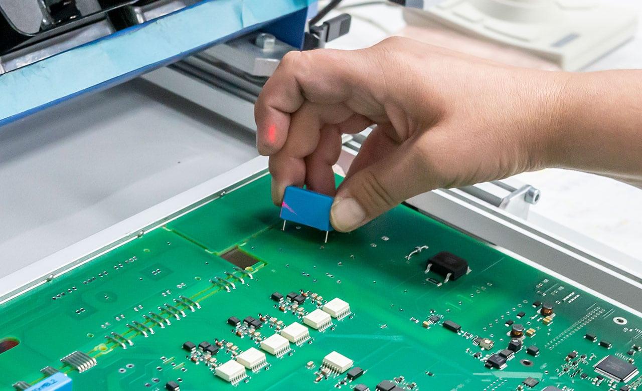 Montáž kabelových komponent