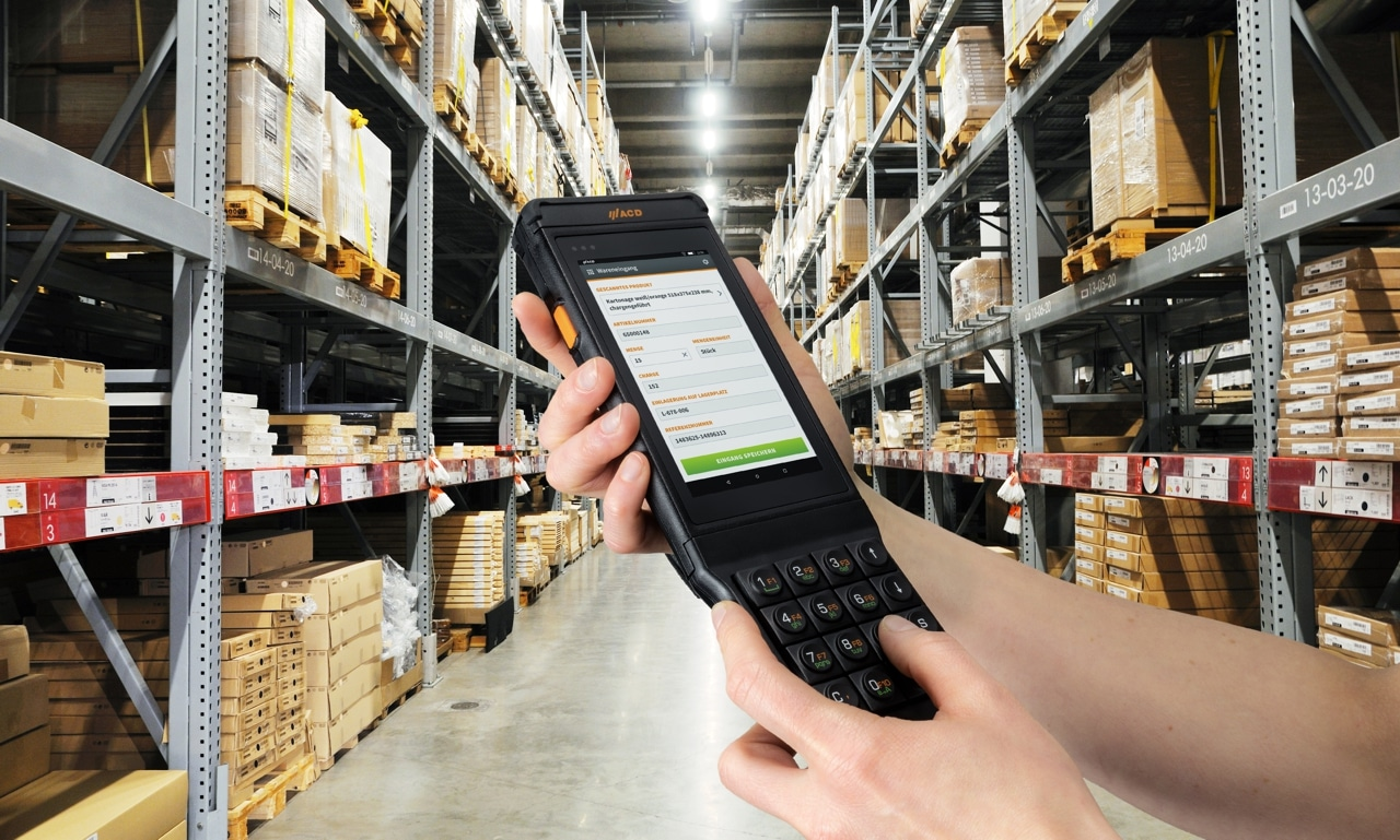 M2SmartSE with M2Key16 logistics in warehouse V2